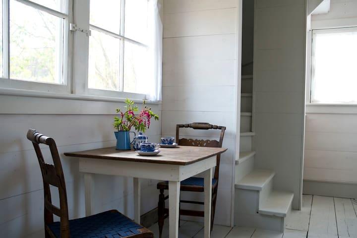 Tivoli Light-Filled Guest Cottage  - Tivoli - Casa