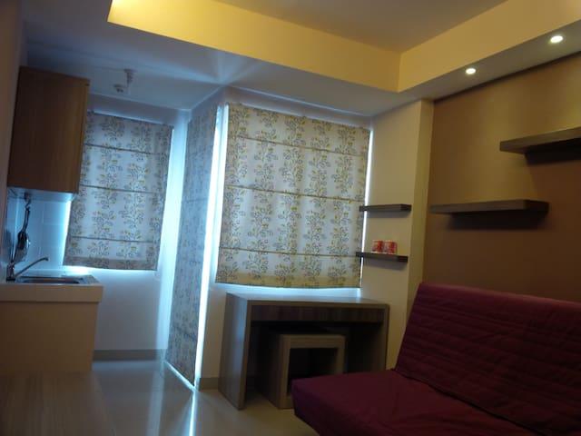 Sudirman Suite Studio Room for 1-3 - Kota Bandung - Lägenhet