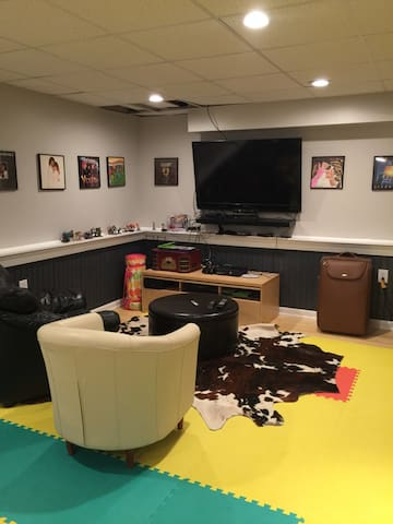 Fully Furnished Basement - Host Family on Site - Myersville - Overig