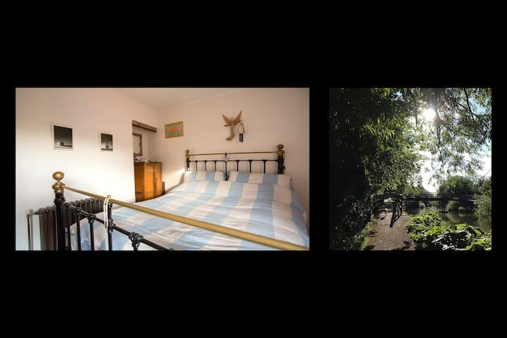 Cozy arty central accommodation, ensuite bathroom - Newbury - Casa
