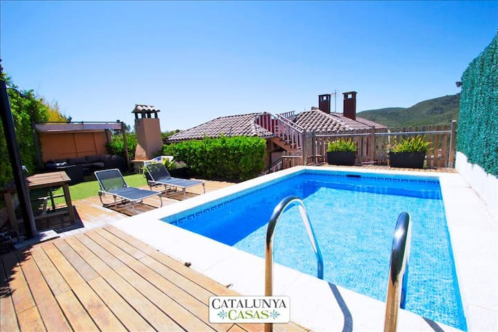 "Stunning mountain views Villa in ""El Vendrell"" for 8 people! - Costa Dorada - Huis"