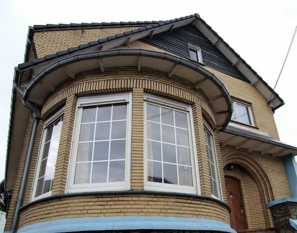 Villa de caractère en périphérie de Liège - Flémalle - Villa