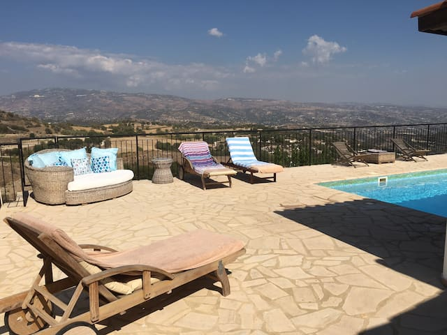 3 bed villa, private pool & views - Polemi