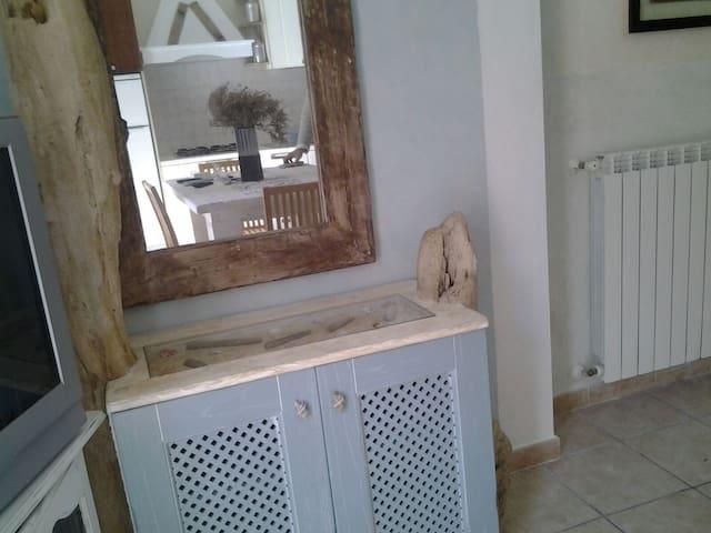 Bellissimo Appartamento rinnovato - San Pantaleo - Byt