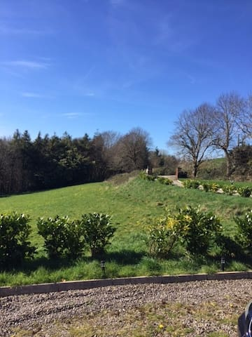 Modern self contained apartment in rural setting. - Corran - Appartement