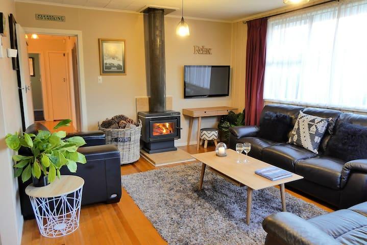 Trout Cottage - Entire home - Wifi - Turangi - Casa