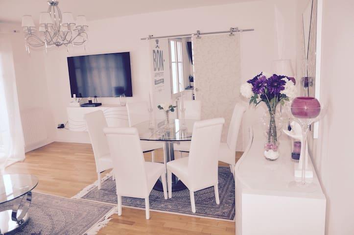 Bright & Cozy condo near Versailles - Saint-Cyr-l'École - Appartement