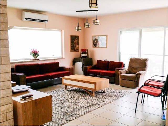Excellent house, in a quiet environ - Kefar Sava - Casa