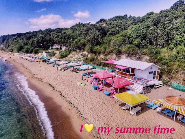 Private bungalow on the beach2a - Varna