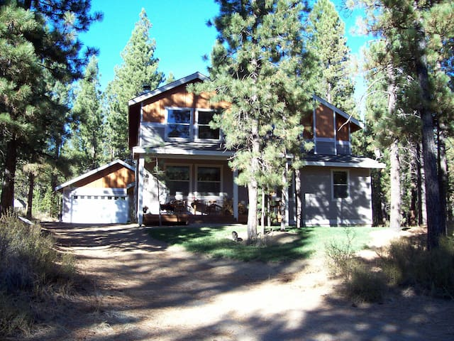 Queen+1 @ Ponderosa Forest Retreat! - La Pine - Huis