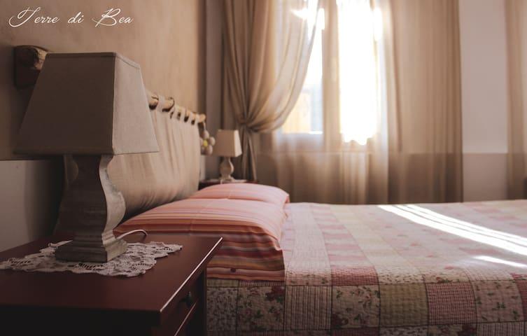 Family room 'Clara' per vivere corsi e percorsi - Covolo - Bed & Breakfast