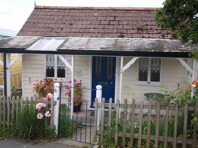 Seagull Cottage - Isle of Wight