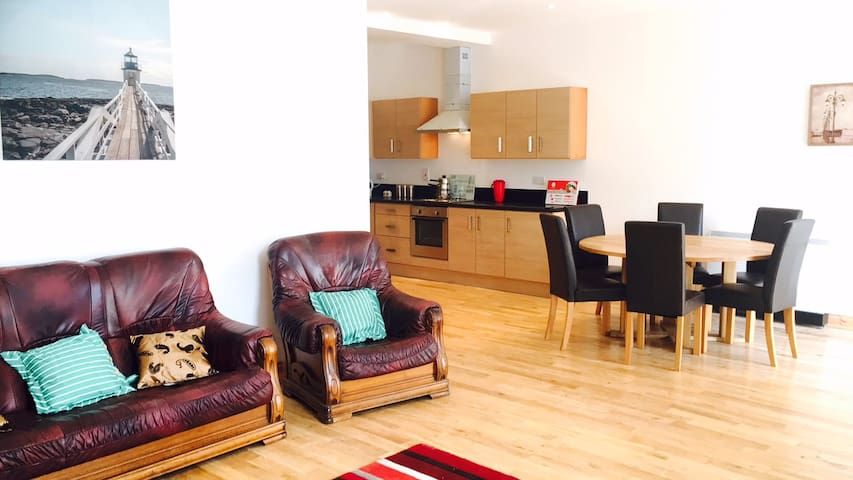 Ground Floor Apartment close to beach and walks - Dugort - Appartement