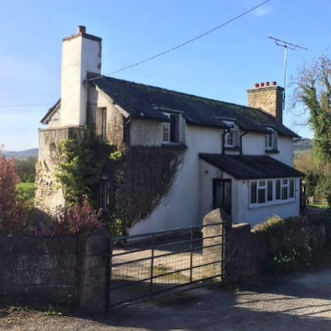 3 bedroom detached house with view - Presteigne  - Huis