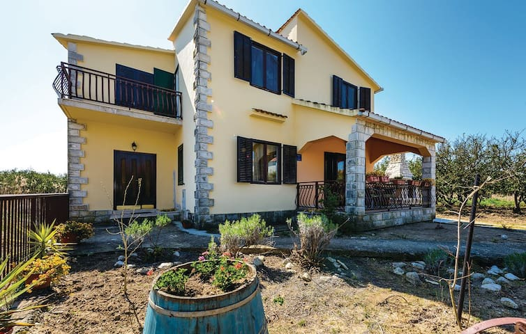 House ideal for relaxation for body and soul - Komin - Casa