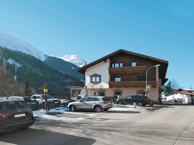 Apartment Haus am Schönbach for 6 persons - St. Anton - アパート