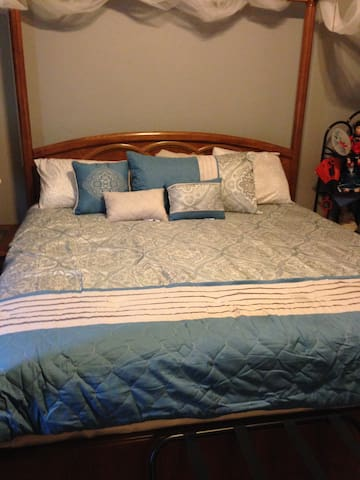 Romantic king bed with den/office, pool, and bath - Rowlett - Casa