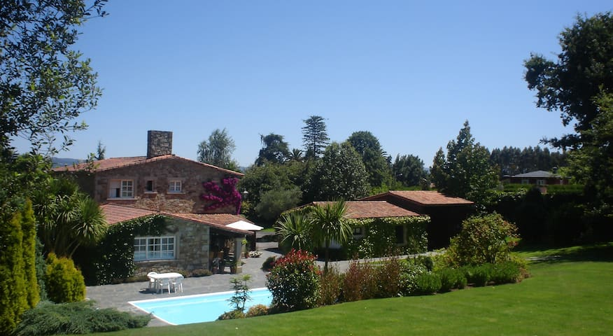 Maravillosa Casa de Campo en Bergondo A Coruña - Bergondo - Huis