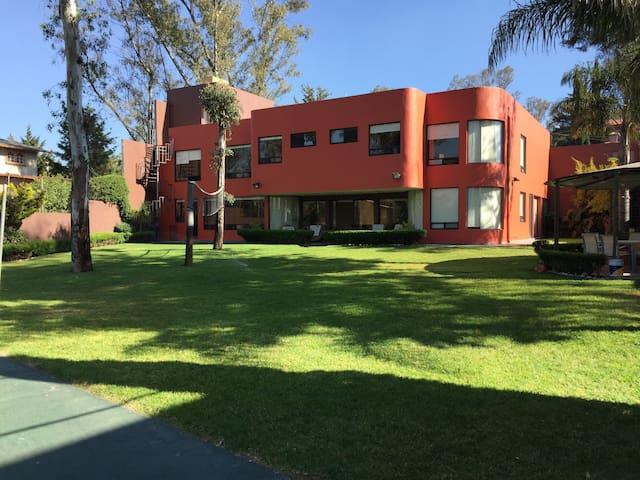 Habitación muy personal en una sorprendente casa - Cuautitlán Izcalli - Dom