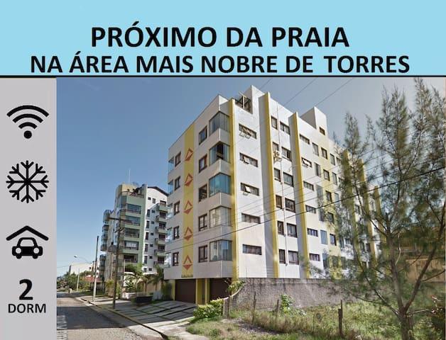 Gran ubicación, 2D, wifi, aire, garaje y limpio - Torres - Appartement