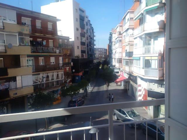 Cómoda habitación en Alcorcón - Alcorcón - Rumah