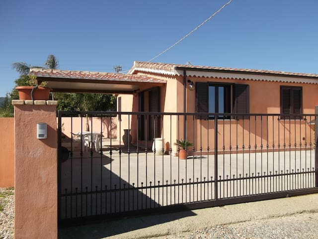 Detached house at about 2 km from the sea - Cardedu