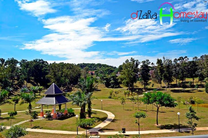 Living in comfort @ dZaRa Homestay - Senawang - Appartement