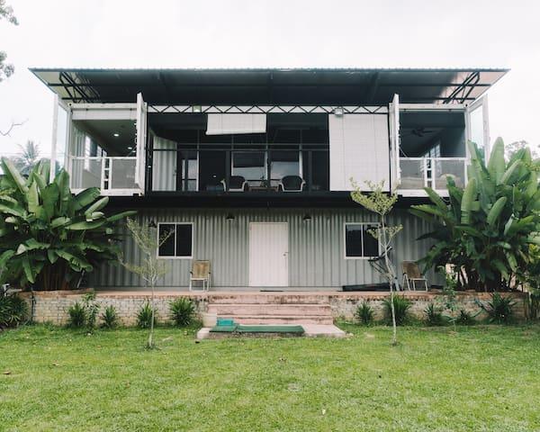 Rumah Kontena ZAHA (ZAHA Container House) - Masjid Tanah - Dom