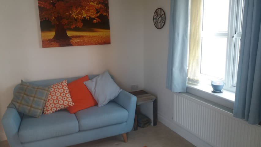2 bedroomed flat next to sea front - Seaham