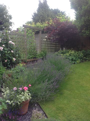 Garden lovers bed and breakfast - Hungerford - Haus