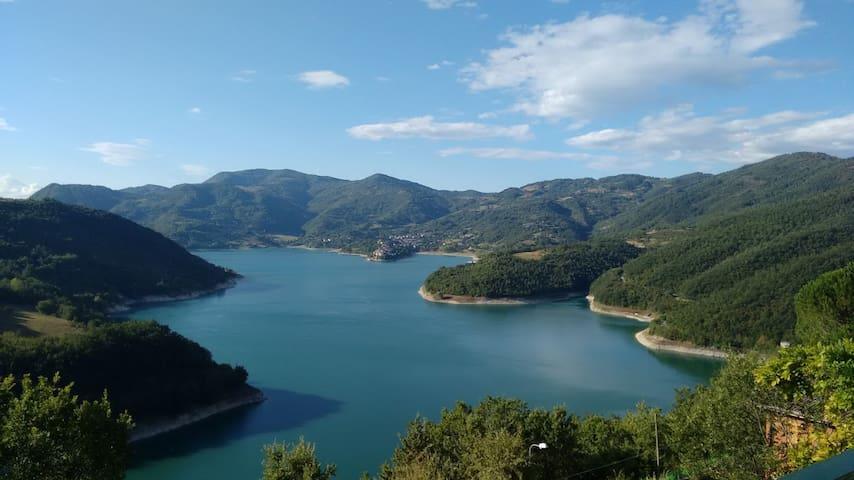 Camere sul lago del Turano - Ascrea - Casa