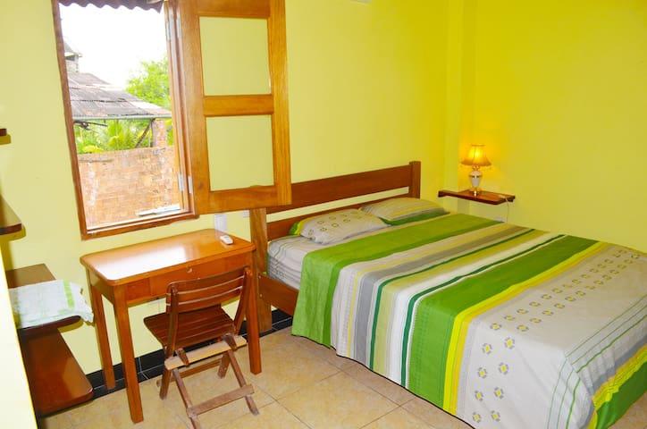 Riverside with En-Suite & Aircon - Iquitos