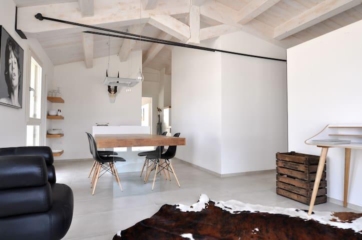 MICHELE DUE  Landgut Corte Campioli - Province of Pesaro and Urbino - Loft