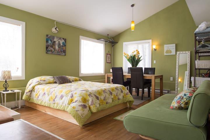 Modern Contemporary Guest House in the heart of NH - Danville - Casa de huéspedes