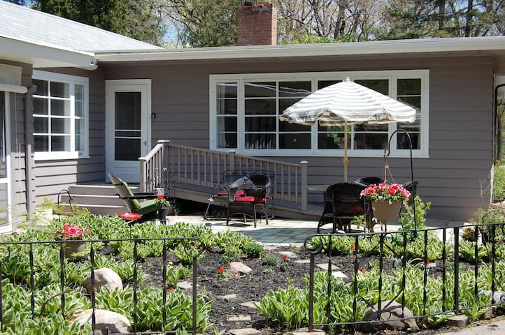 Entire House near Geneva Lake - Williams Bay - Rumah