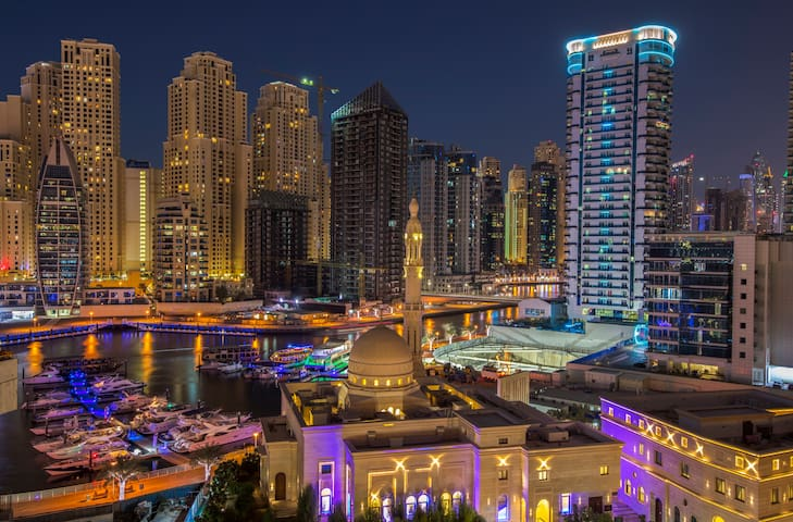 Luxury Marina apartment, water view & pool - Dubai - Leilighet