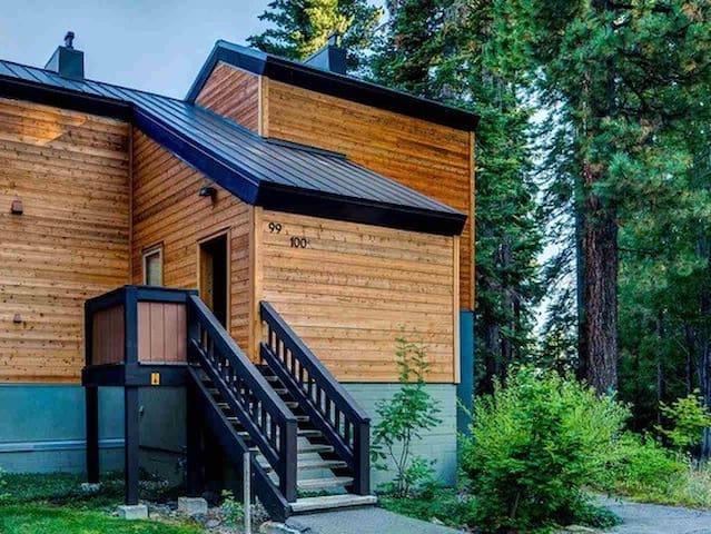 Studio Unit with Separate Entrance - Tahoe City - Hus