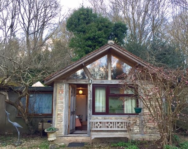 Country House Woking 2-Person lovely comfy Annexe - Woking - Huis