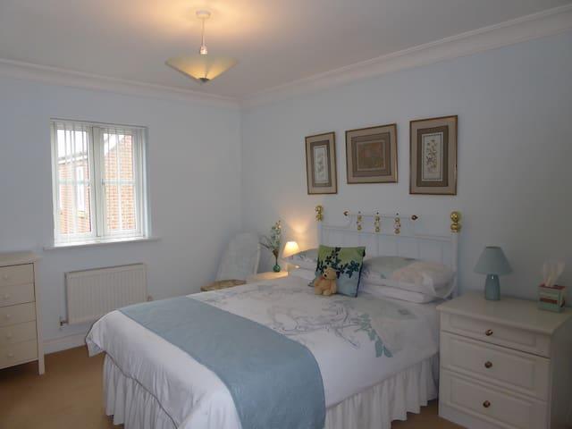 En-suite Double - Jade Room - Angmering