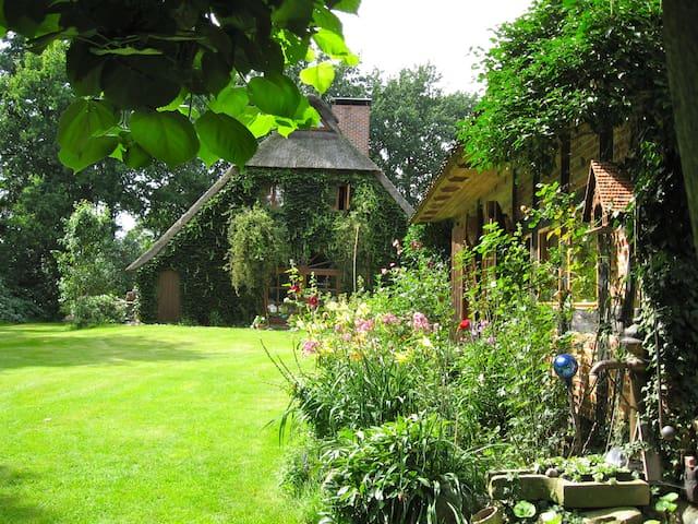 Bed and Breakfast Hus an Moor - Hambergen - 家庭式旅館