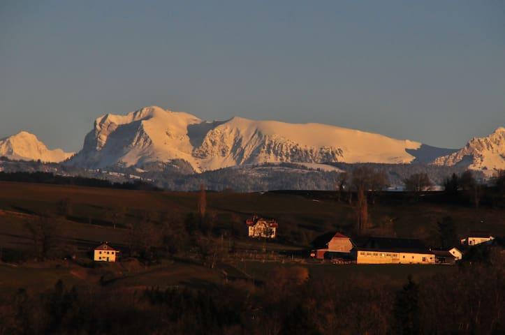 La Rochecolombe - Syens - Çatı Katı