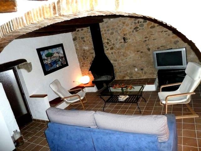 18th century restored cosy house! - Cervià de Ter, Girona - Hus