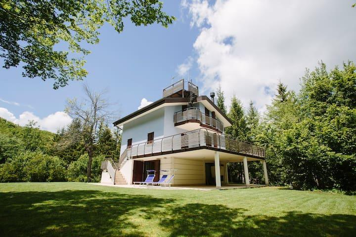 Villa in the mountains near Rimini - Villagrande di Montecoppiolo - Villa