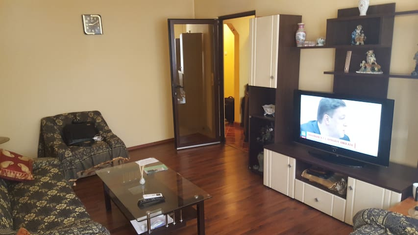 3 Rooms Apart for groups/family 30 min to center. - București
