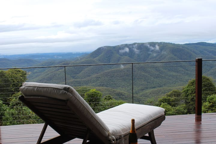 EXHALE 2: Breathtaking Views on the Mountain Edge - Tamborine Mountain