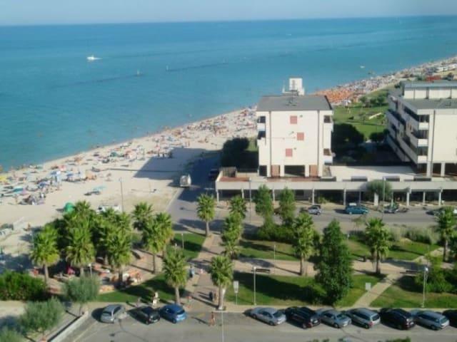 Appartamento Fronte mare con  fantastico panorama - Bivio Cascinare - Leilighet