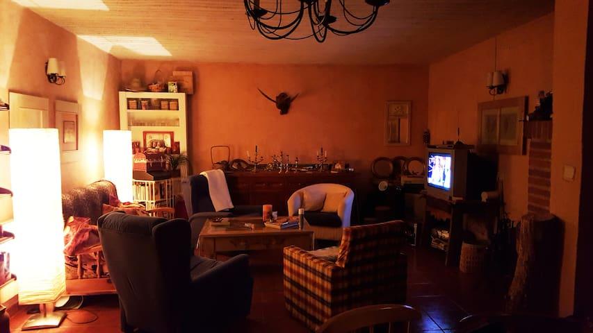 Casa con Chimenea en Segovia con Cordero Asado - Lastras de Cuéllar - Rumah