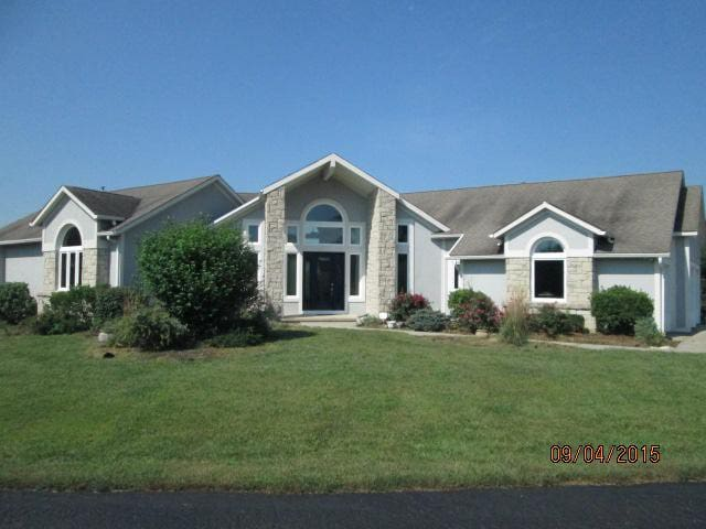 Contemp home pool/spa/privacy 22 ac business ready - Edwardsville - Ev