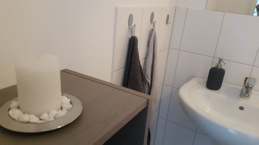 Modernes 1-Zimmer Apartment - Висбаден - Квартира