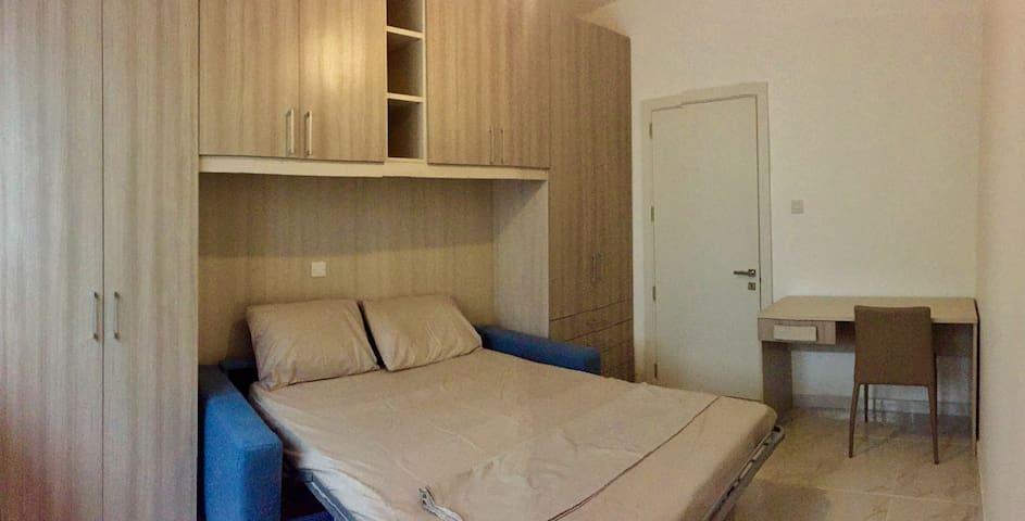Private Double bedroom - Balzan - Huoneisto